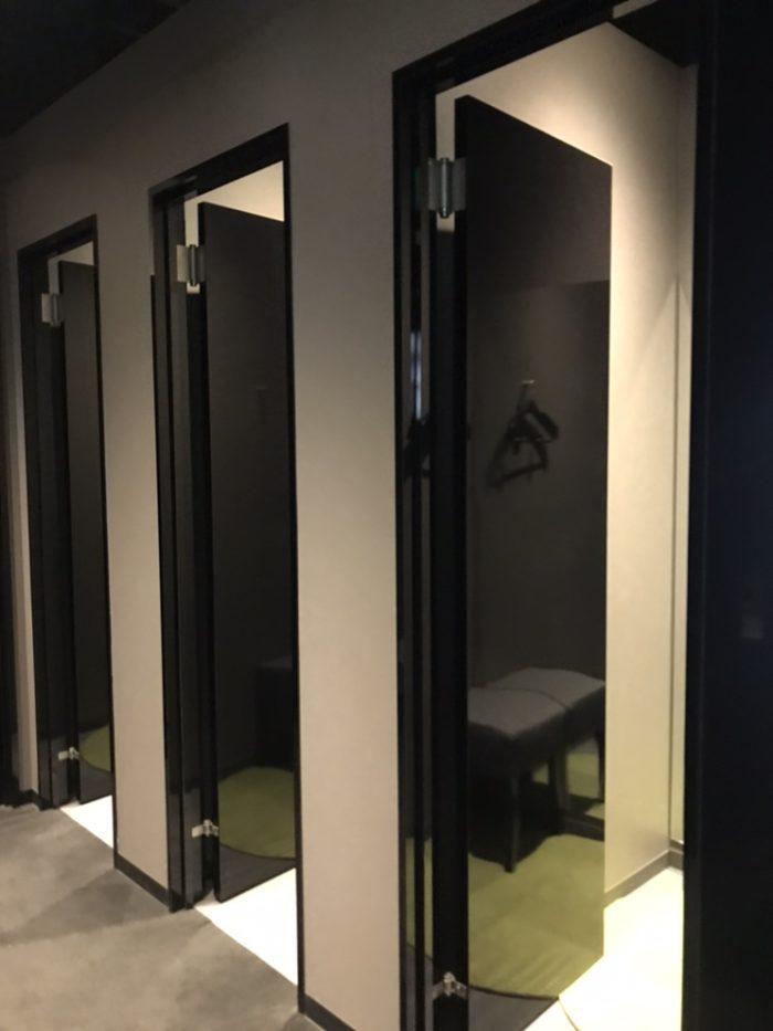 ライザップゴルフ広島店の更衣室